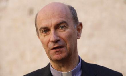 Onorificenza di Commendatore per Mons. Stefano Russo