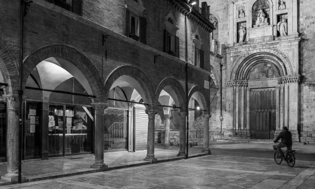 """Si va """"In Piazza"""" per la Foto del Mese"""