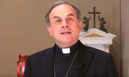 """Il Vescovo alla comunità: """"Ripartiamo in sicurezza"""""""